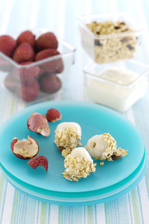 Lychees with yoghurt and muesli